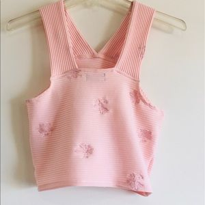 -URBAN OUTFITTERS TOP. SIZE M. NEW.